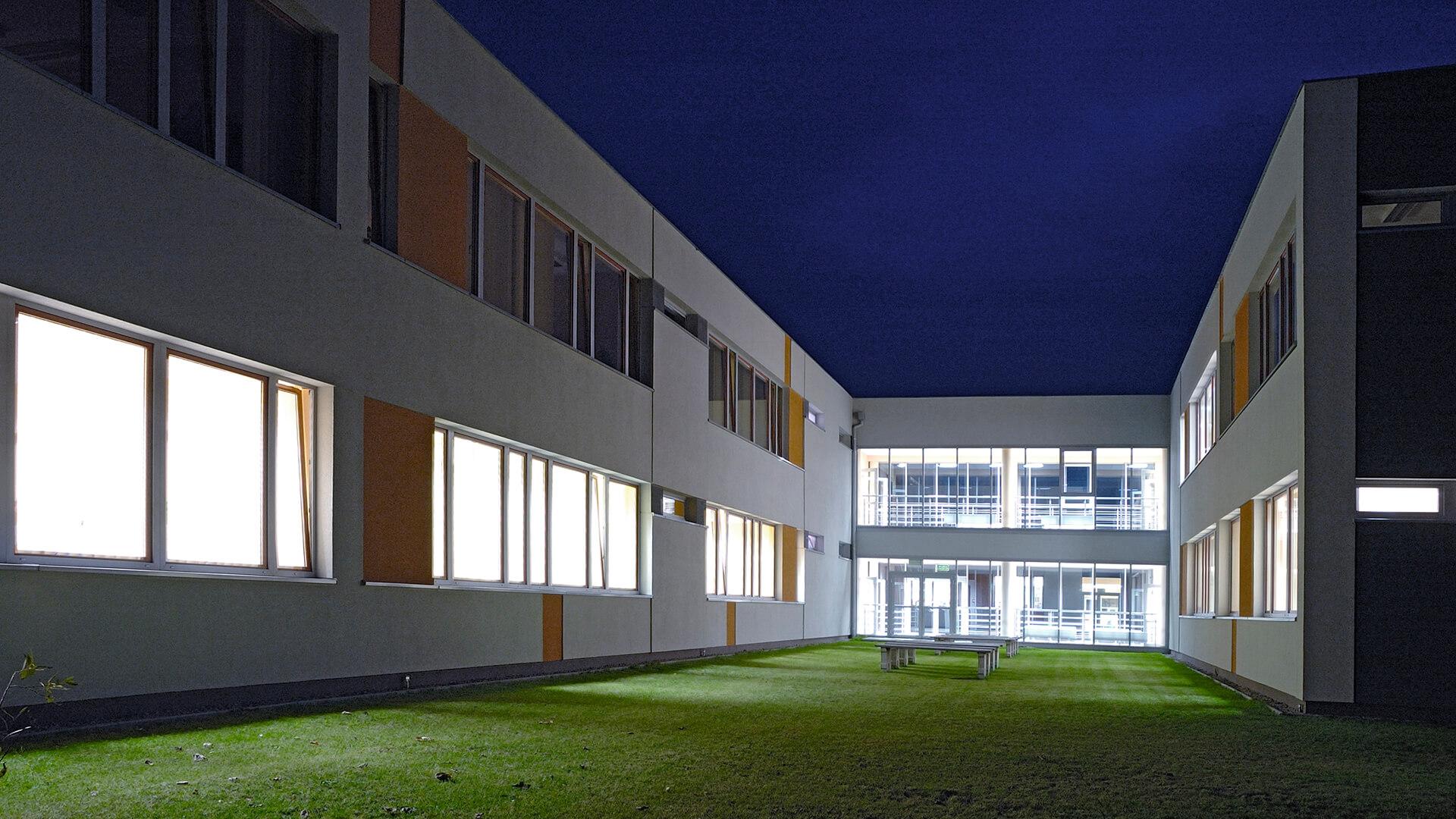 Gimnazjum w Kaźmierzu pod Poznaniem - Projekt Neostudio